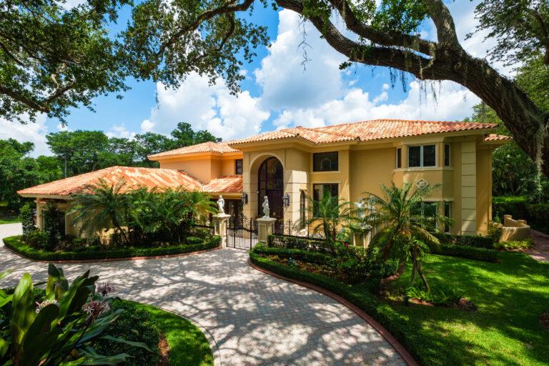 Luxury Florida House With A Tropical Garden