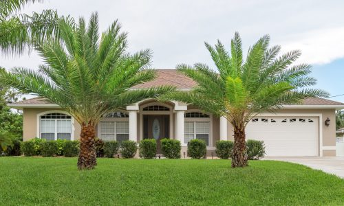 Florida Bungalow With Tropical Trees